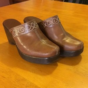 Brown Clogs with Embroidered Design
